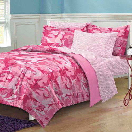 Pink camo bedroom accessories