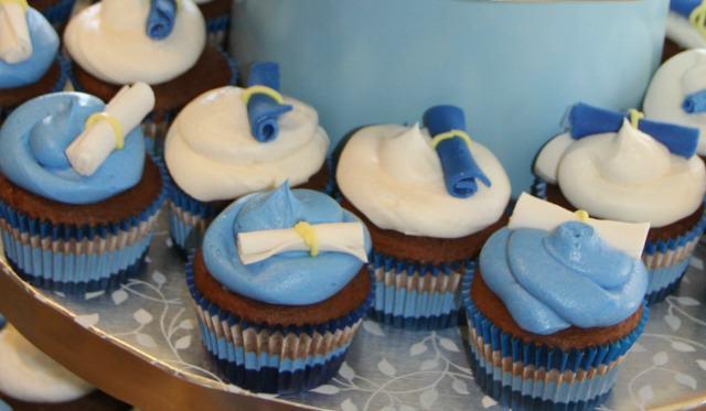 Graduation Cupcakes Diploma